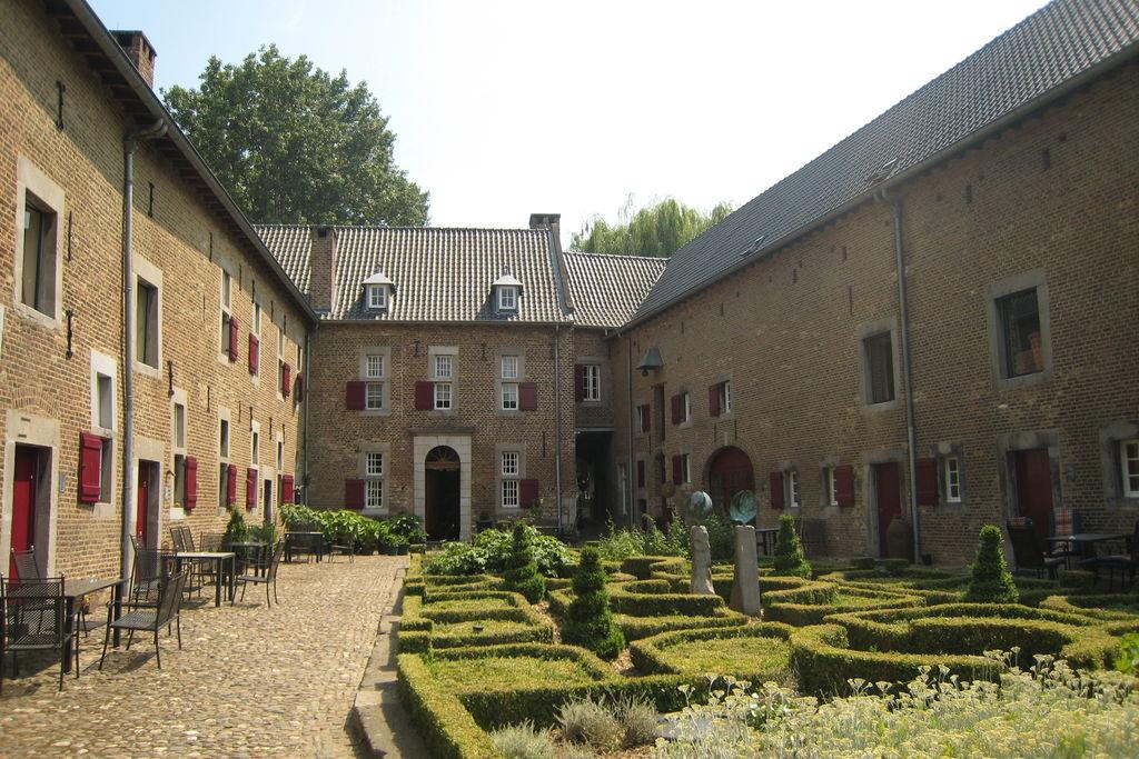 Vakantiewoning Nederland, Limburg, Mesch-Eijsden Appartement NL-6245-06