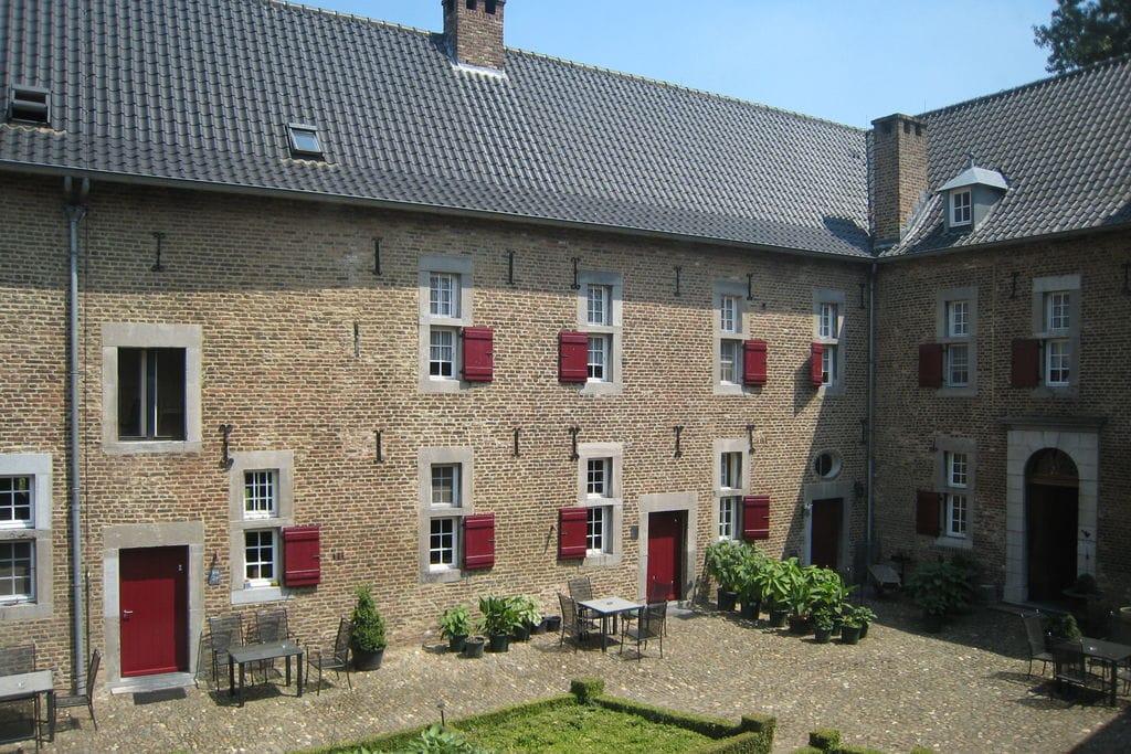 Appartement in watermolen op 10km van Maastricht tegen de Belgische grens - Boerderijvakanties.nl