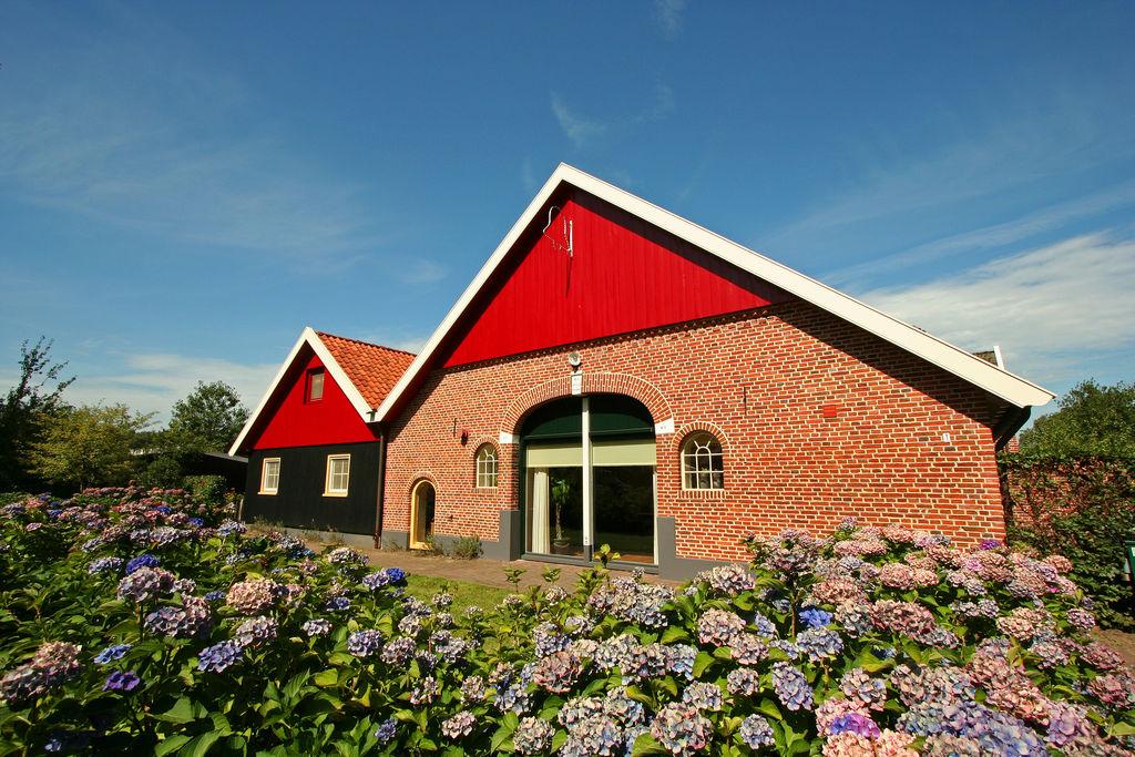 Magnifiek landhuis in Aalten bij de Duitse grens - Boerderijvakanties.nl