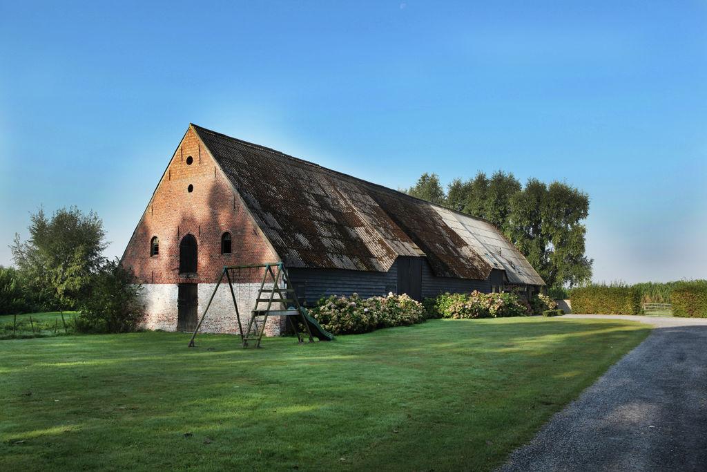 Ruime boerderij in Eede met privéterras - Boerderijvakanties.nl