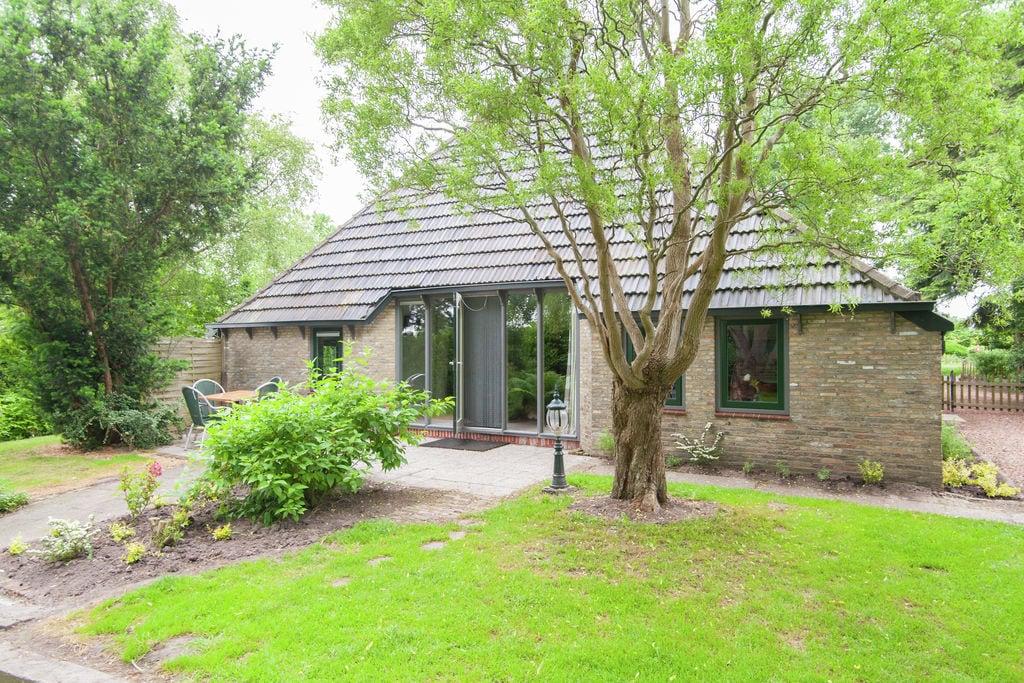Vrijstaande vakantieboerderij in Friesland bij het bos - Boerderijvakanties.nl