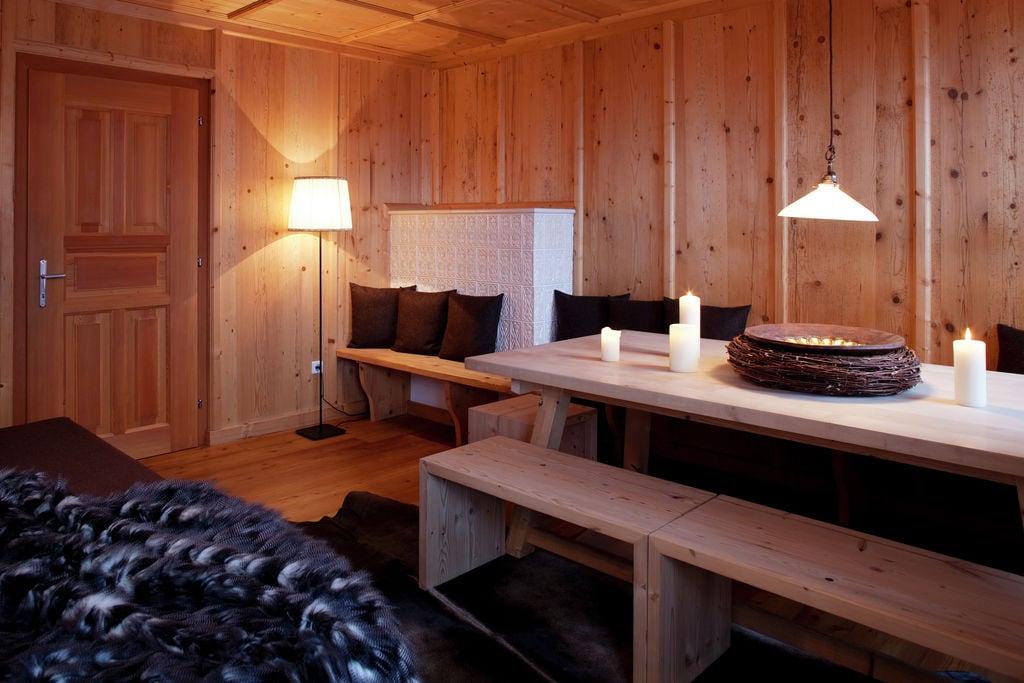 Ruime hut in Tirol met uitzicht op de bergen - Boerderijvakanties.nl