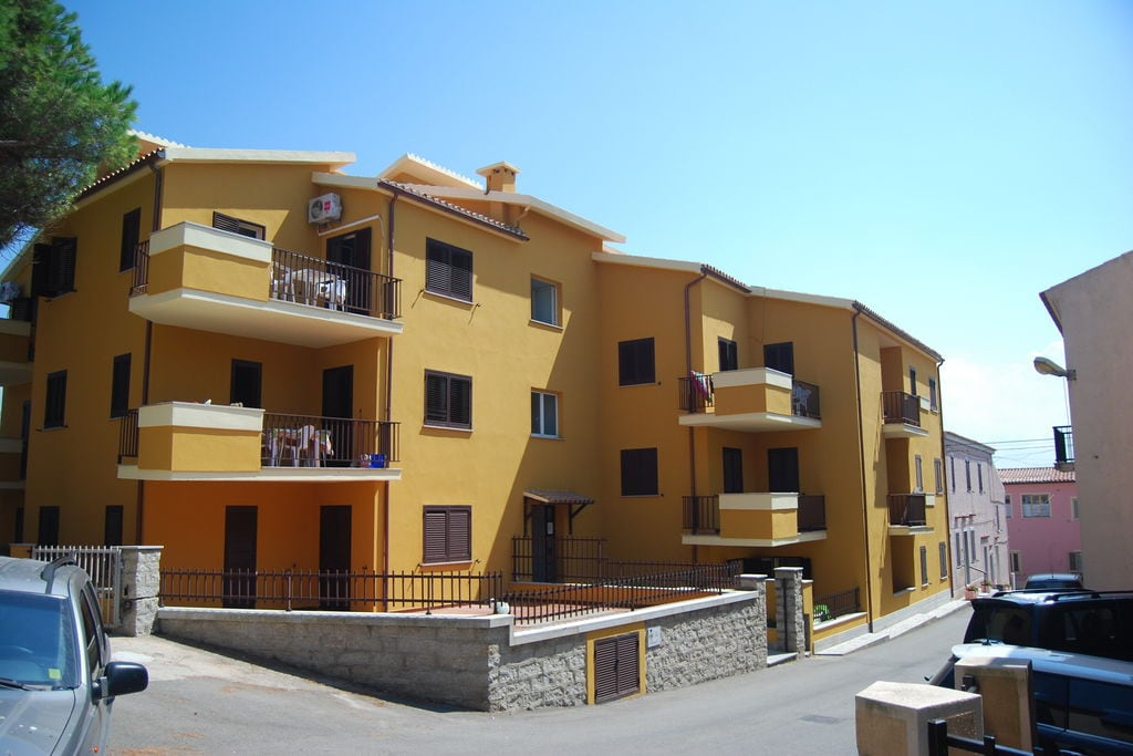 Villanova-di-Albenga- Chalet met zwembad  met wifi te huur