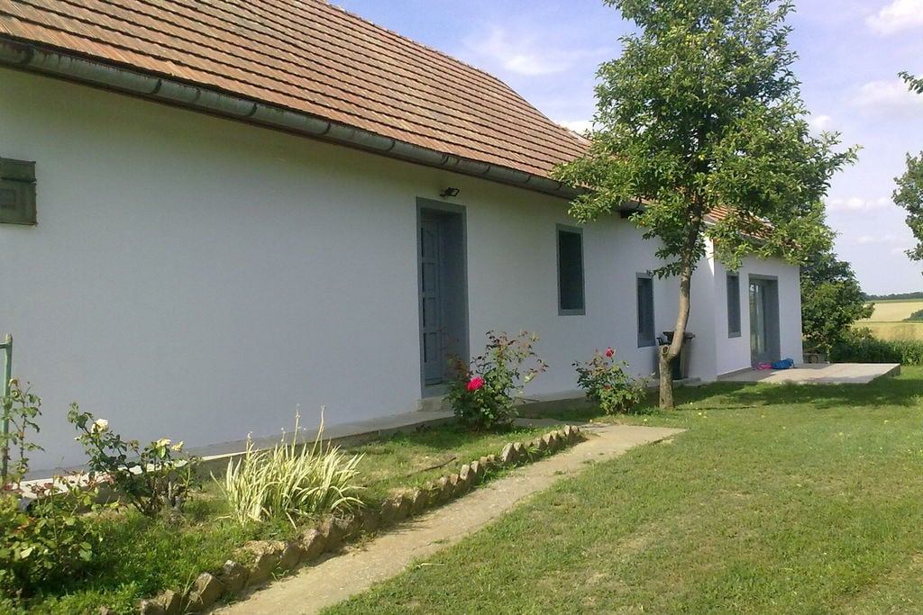 Boerderij huren in  Hongarije -  nabij Strand met wifi  voor 6 personen  De bijzondere woonboerderij Ház K..