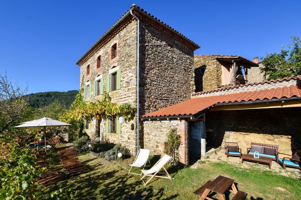 Stijlvol ingericht huis met prachtig uitzicht in de l'Allier in Auvergne. - Boerderijvakanties.nl