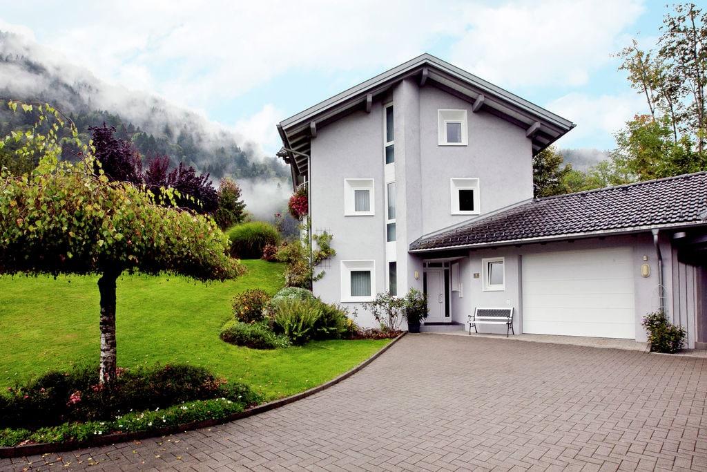 Luxe woning in Montafon met heerlijke tuin - Boerderijvakanties.nl