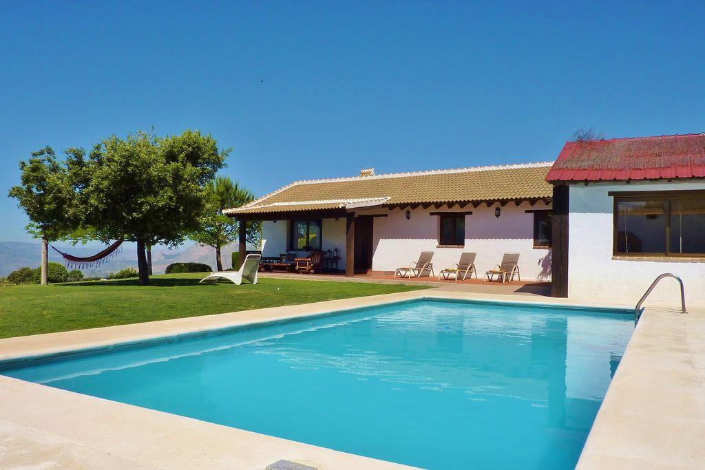 Prachtige villa in Andalusië, dicht bij de bossen - Boerderijvakanties.nl