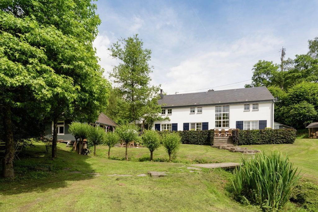 Prachtige villa in de buurt van het meer in Houffalize - Boerderijvakanties.nl