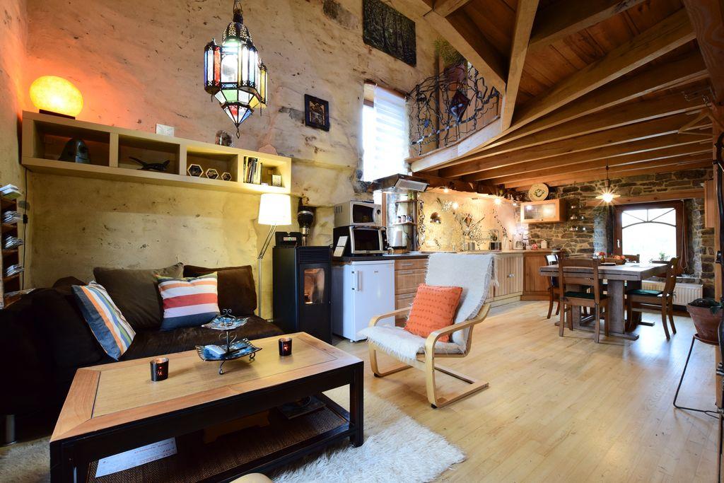 Authentiek vakantiehuis in Longueville nabij het bos - Boerderijvakanties.nl
