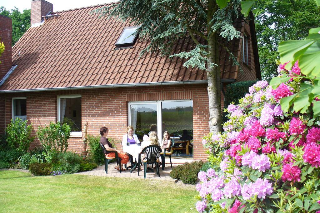 Modern vakantiehuis in Beckedorf met een privétuin - Boerderijvakanties.nl
