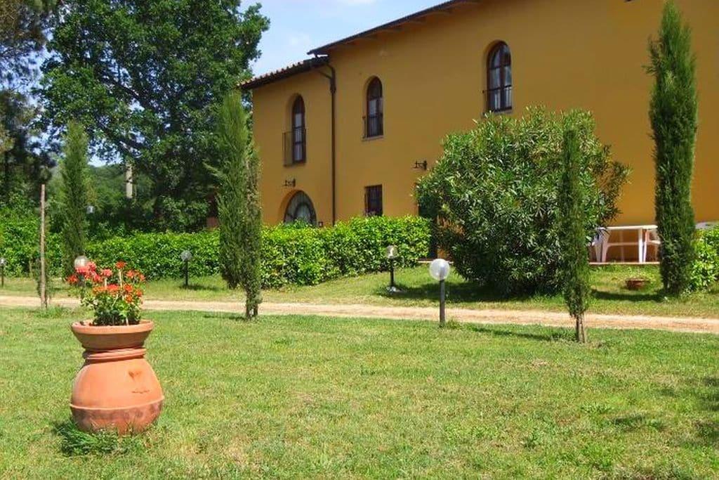 Appartement in een typisch Toscaanse agriturismo in Vinci - Boerderijvakanties.nl