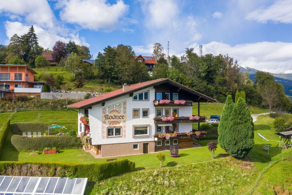 Modern appartement in Gerlitzen met prachtig uitzicht - Boerderijvakanties.nl