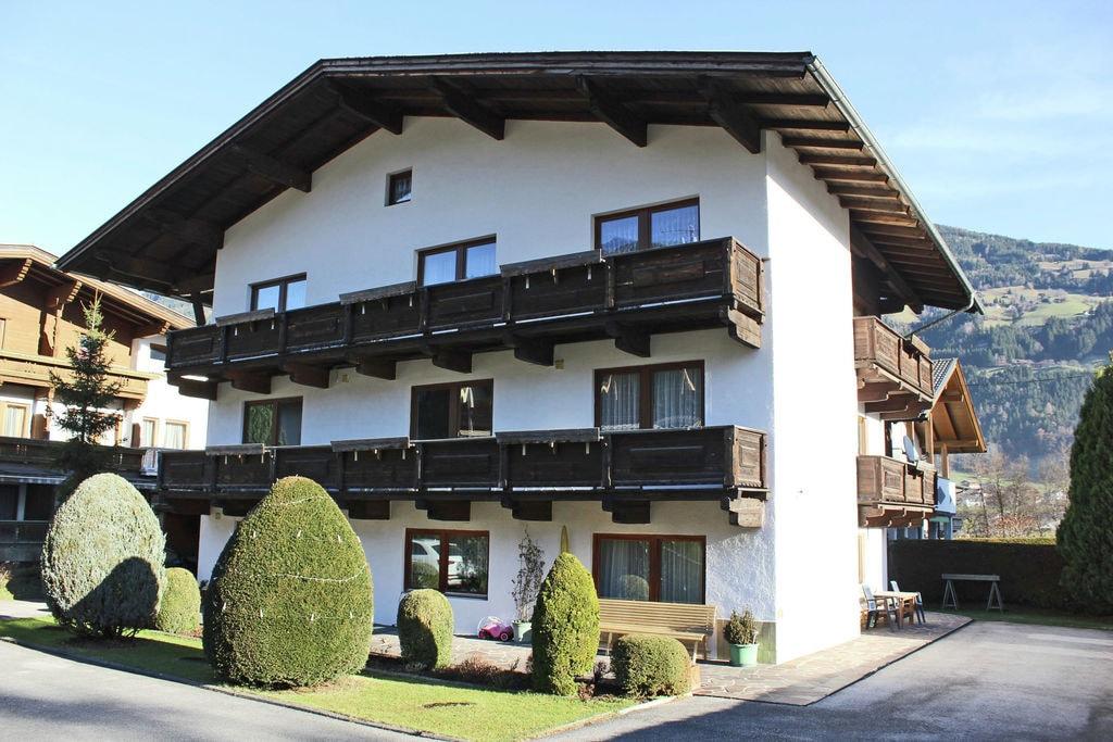 Comfortabel vakantiehuis in Tirol met een balkon - Boerderijvakanties.nl