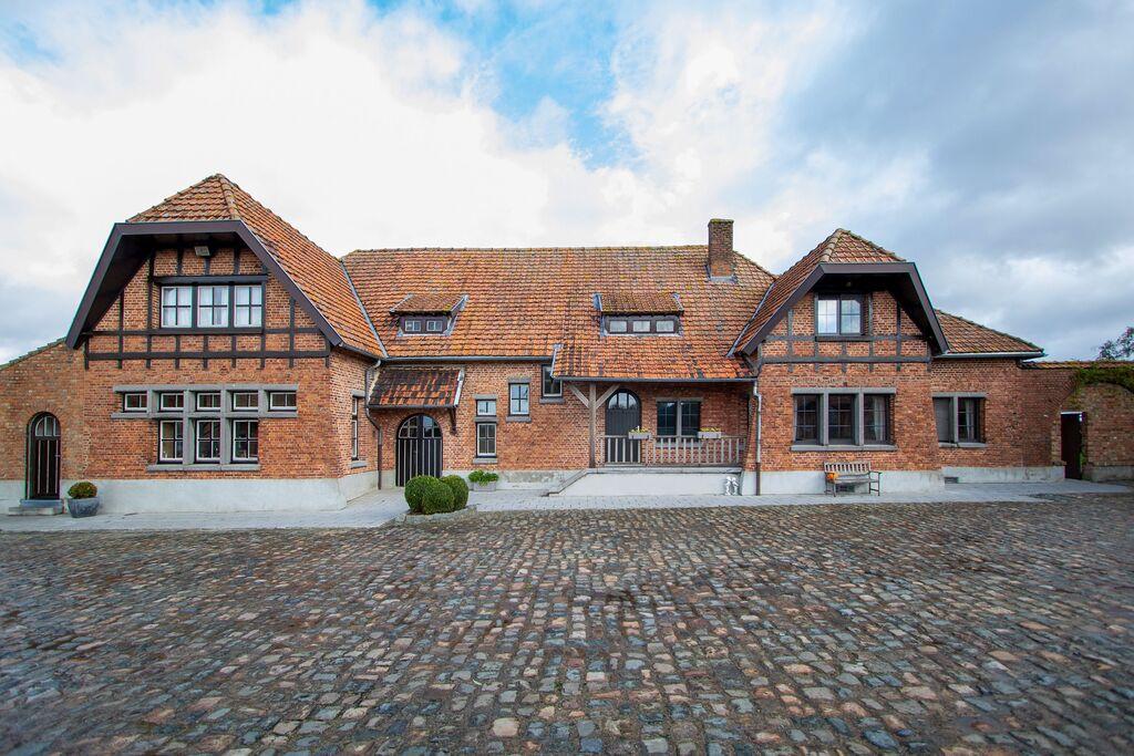 Comfortabele boerderij in Komen-Waasten met privétuin - Boerderijvakanties.nl