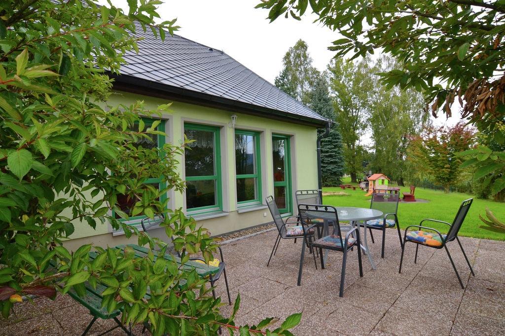 Sfeervol appartement in het Elbsandsteingebergte met tuin - Boerderijvakanties.nl
