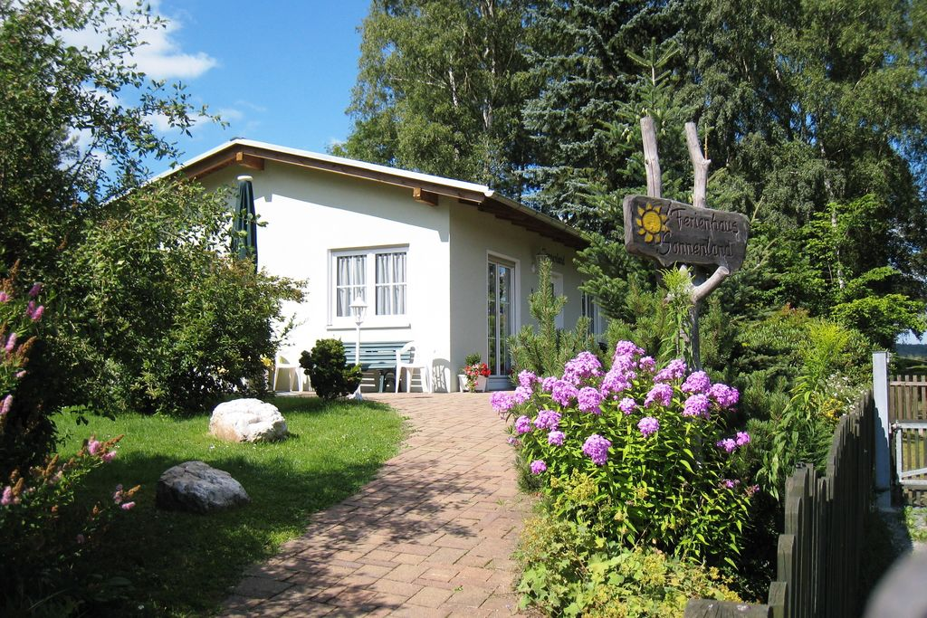 Vrijstaand vakantiehuis in de Saksen met een carport - Boerderijvakanties.nl