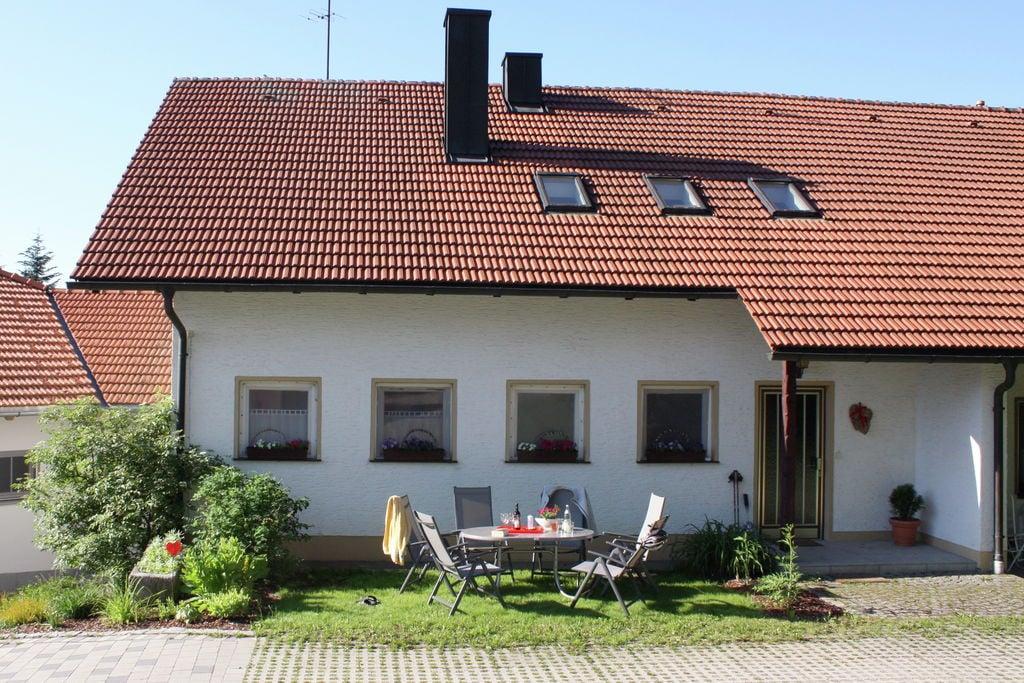 Vakantiewoning met kachel en grote tuin in het zuidelijke deel van het Beierse Woud - Boerderijvakanties.nl