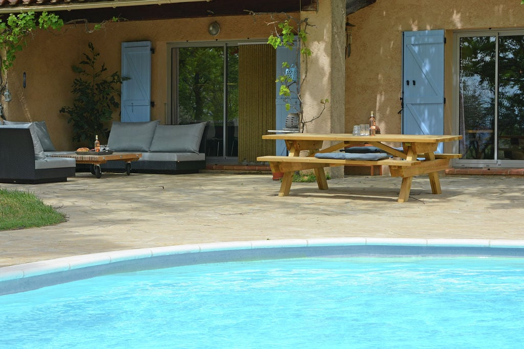 Sfeervolle, vrijstaande villa met privézwembad in de Provence - Boerderijvakanties.nl