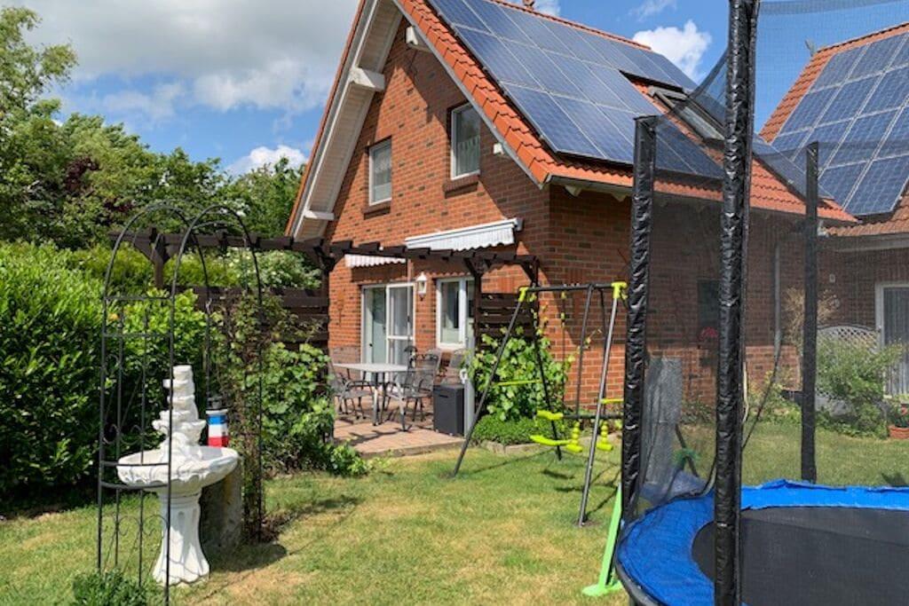 Modern appartement inLüdersfeld met een privéterras - Boerderijvakanties.nl