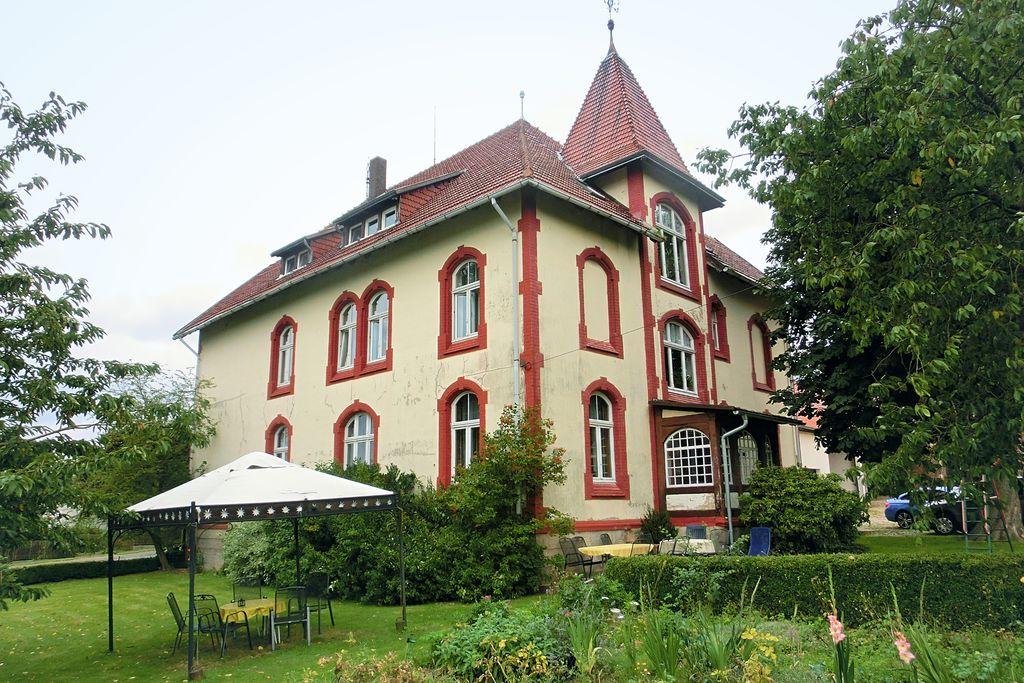 Knus appartement in Friedrichsfeld met een terras - Boerderijvakanties.nl