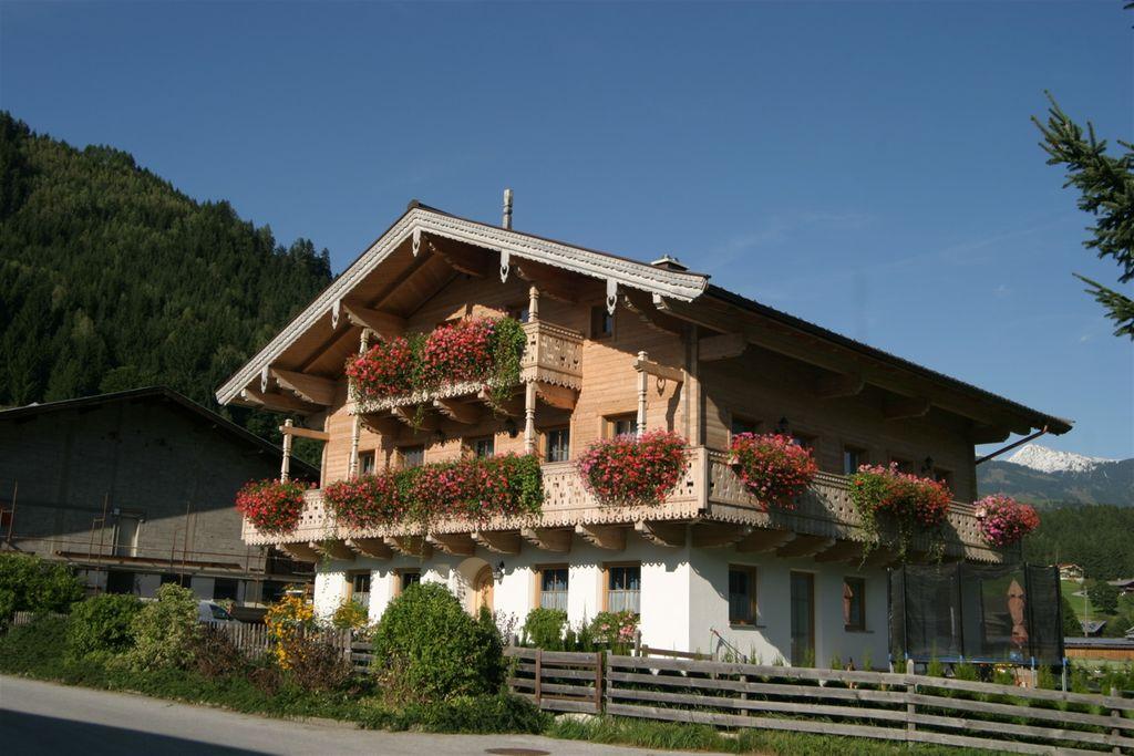 Modern appartement met uitzicht op de Pinzgau-vallei - Boerderijvakanties.nl