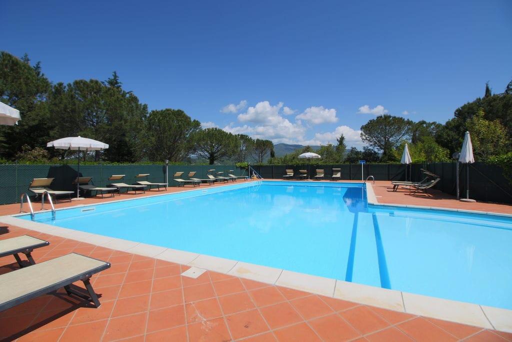 Sfeervol appartement in Arezzo met gezamenlijk zwembad - Boerderijvakanties.nl