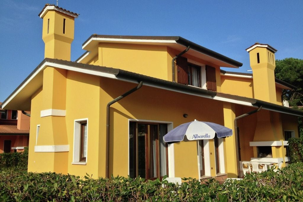 Albarella- Villa met zwembad   te huur