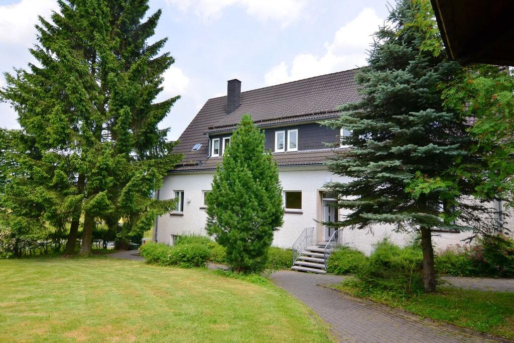 Ruim appartement nabij skigebied Winterberg met sauna - Boerderijvakanties.nl