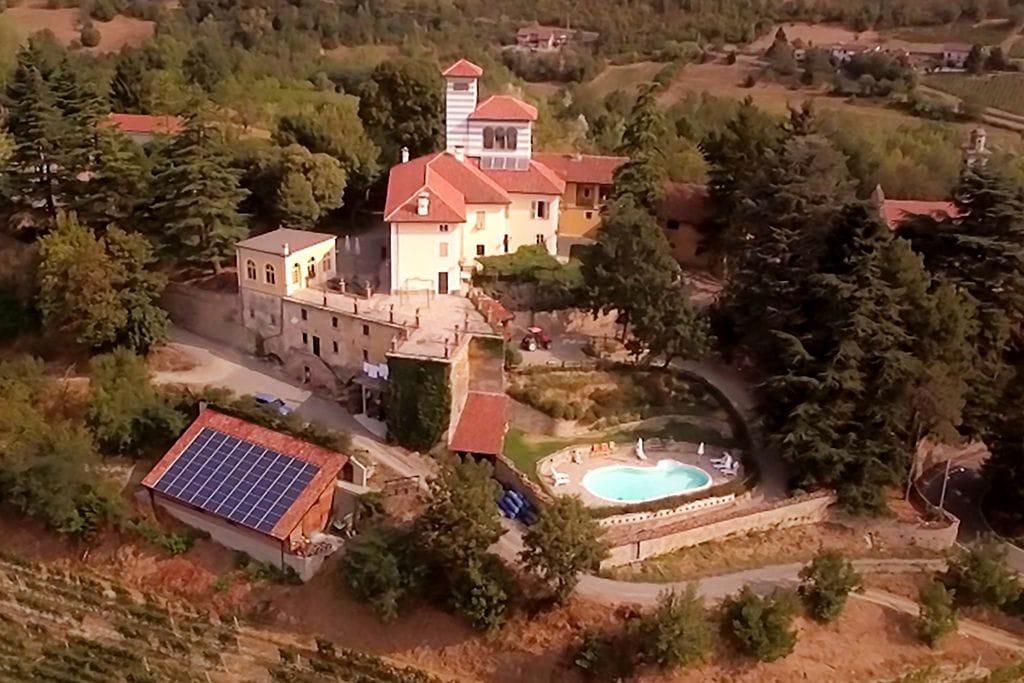 Vakantiewoning huren in  Italie - met zwembad nabij Strand met wifi met zwembad voor 4 personen  In een heuvelachtig gebied bij het..