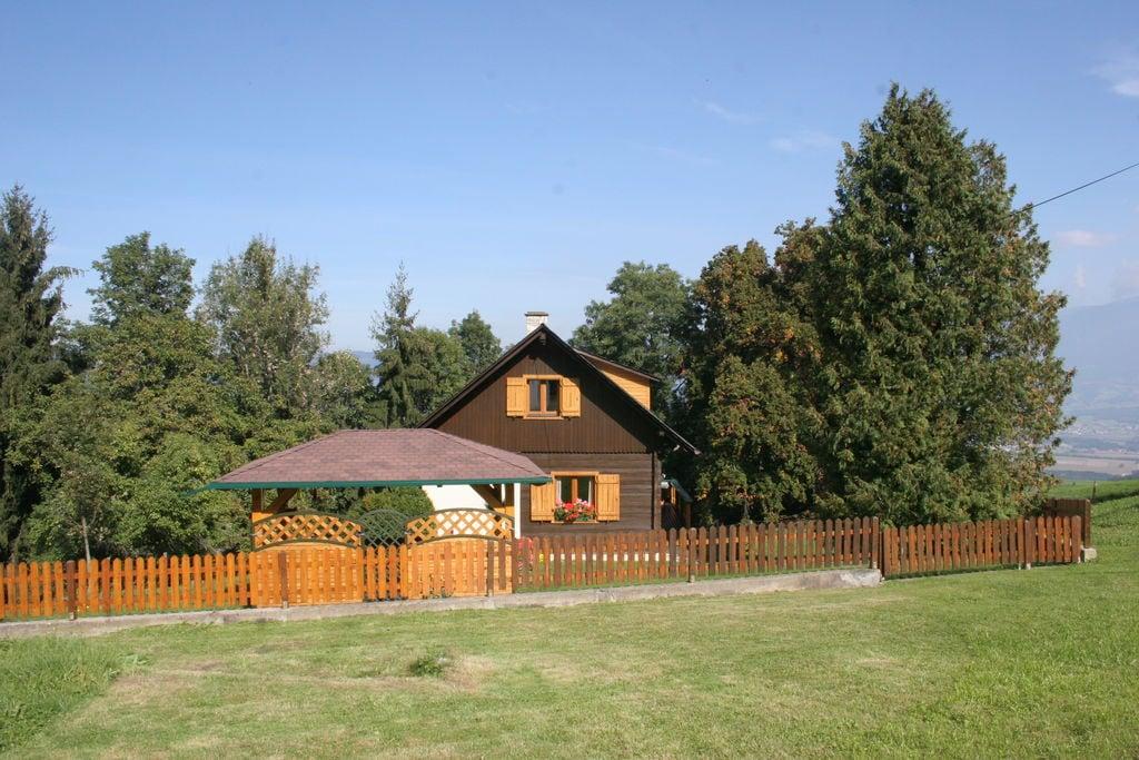 Chalet in Karinthië midden in de vallei met tuin en terras - Boerderijvakanties.nl