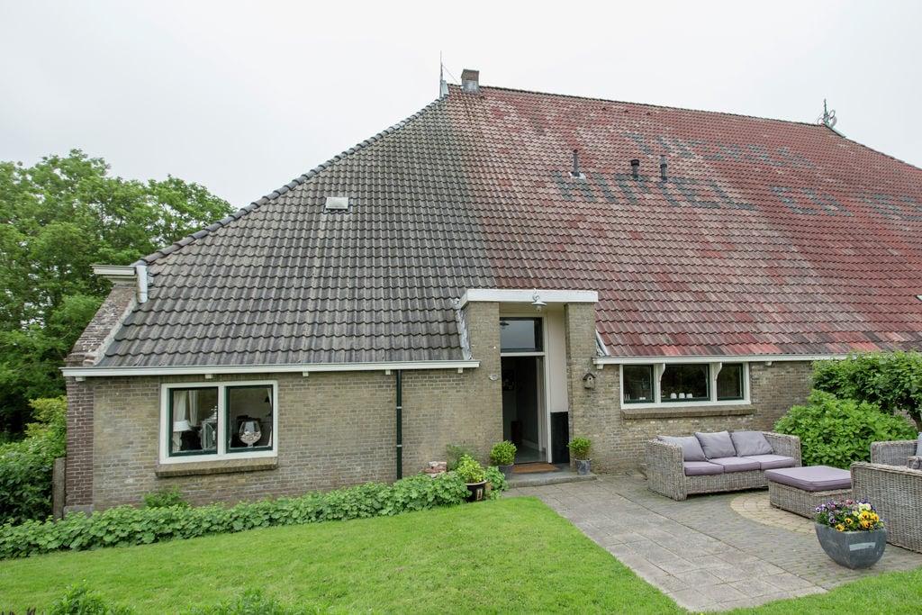 Oude stelpboerderij in Molkwerum bij het IJsselmeer - Boerderijvakanties.nl