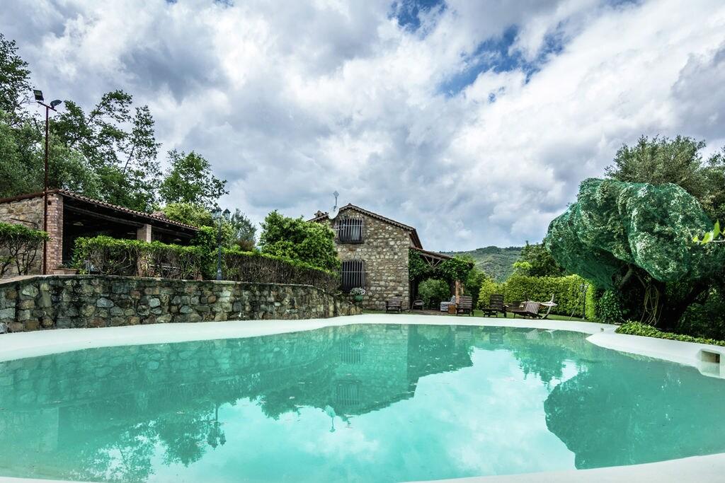 Santa-Lucia-Cilento- Villa met zwembad  met wifi te huur