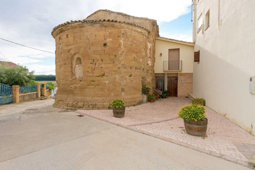 Mooie vrijstaande vakantiewoning met wijnkelder in Huesca - Boerderijvakanties.nl