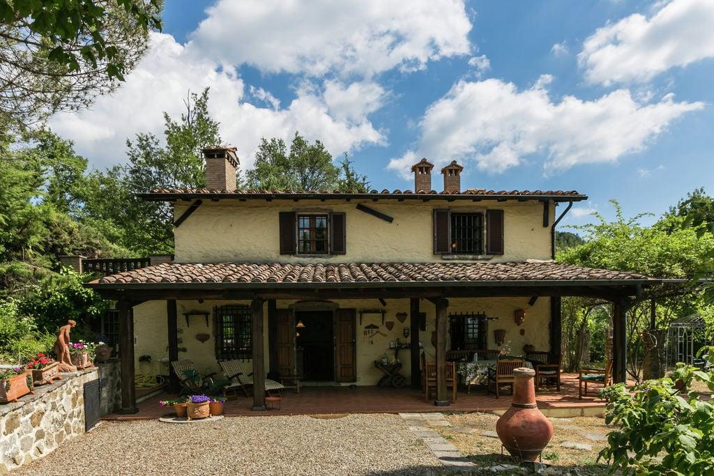 Selva-Santa-Fiora- Villa met zwembad  met wifi te huur