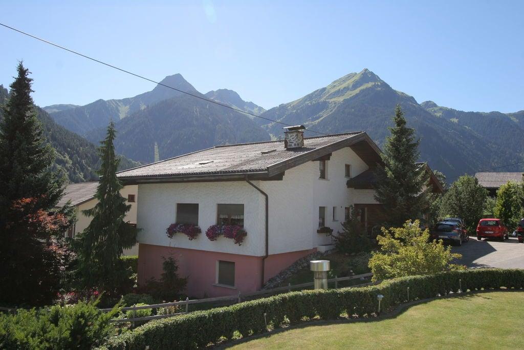Comfortabel appartement in Vorarlberg met balkon - Boerderijvakanties.nl