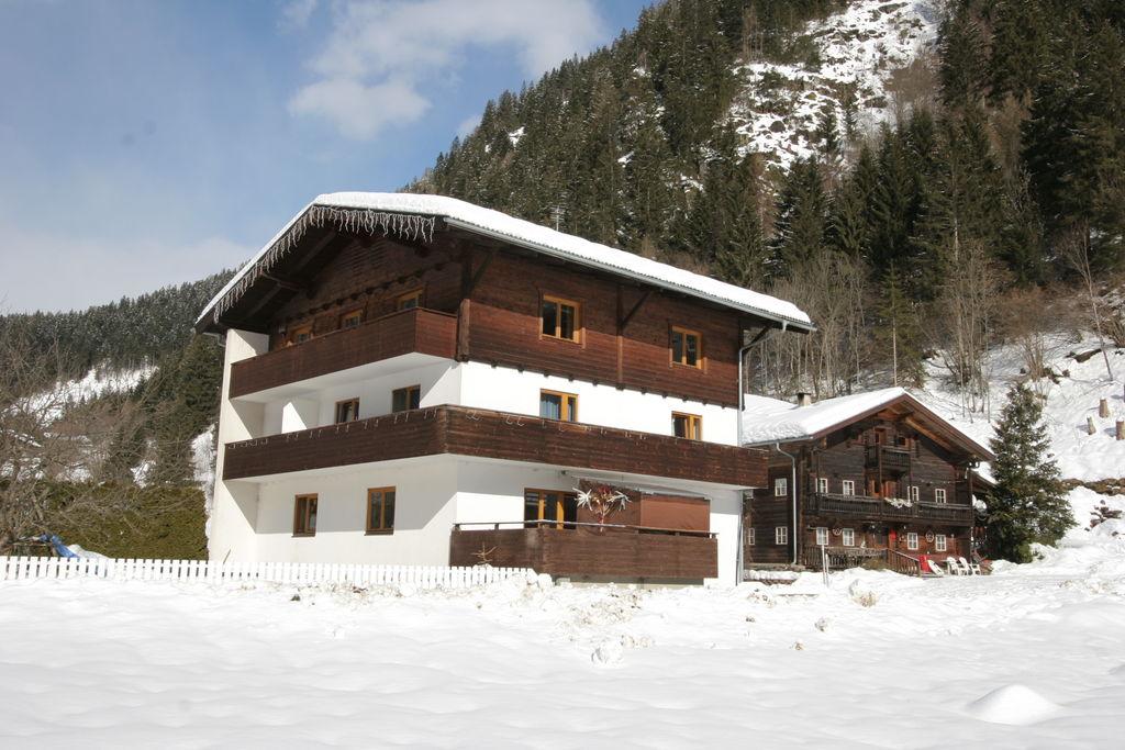 Modern appartement in Osttirol dicht bij het skigebied - Boerderijvakanties.nl
