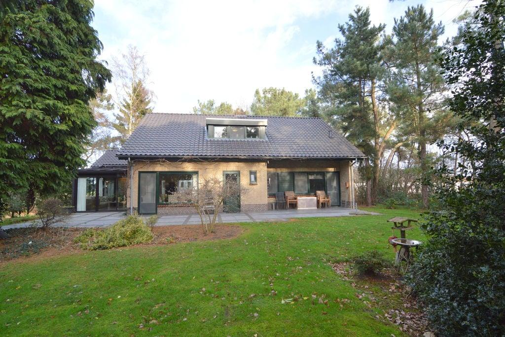 Prachtige villa met 1ha eigen bos en zwembad en sauna - Boerderijvakanties.nl