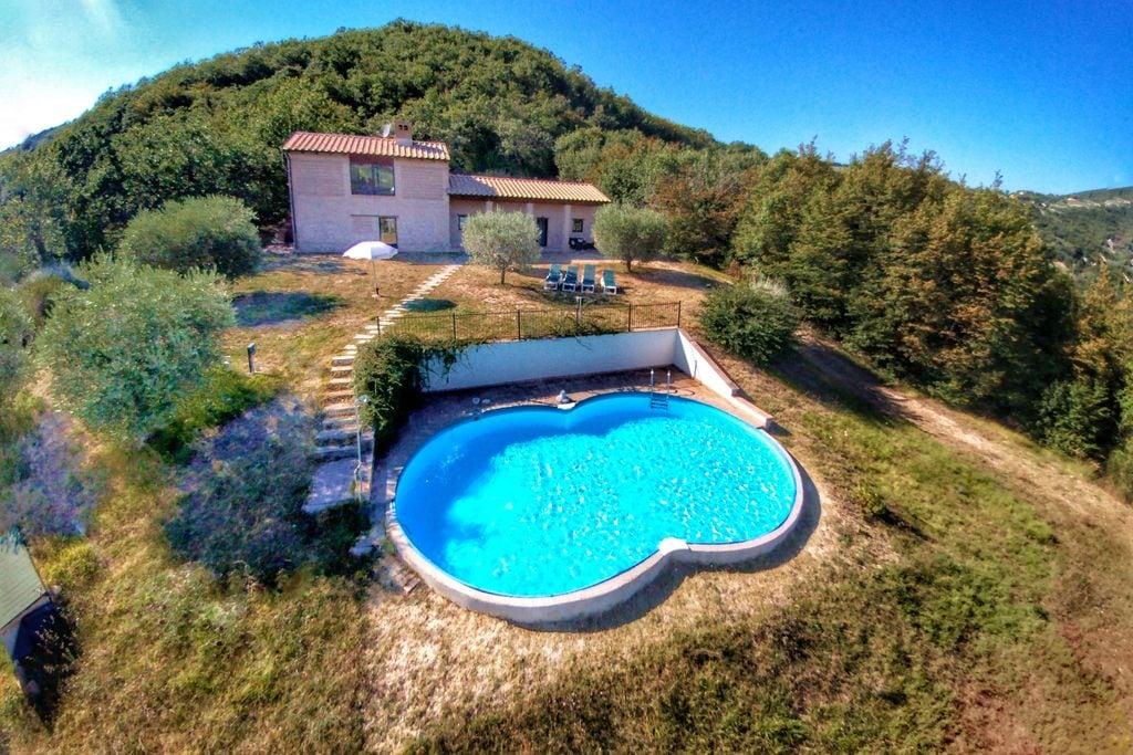 Assisi- Vakantiewoning met zwembad  met wifi te huur