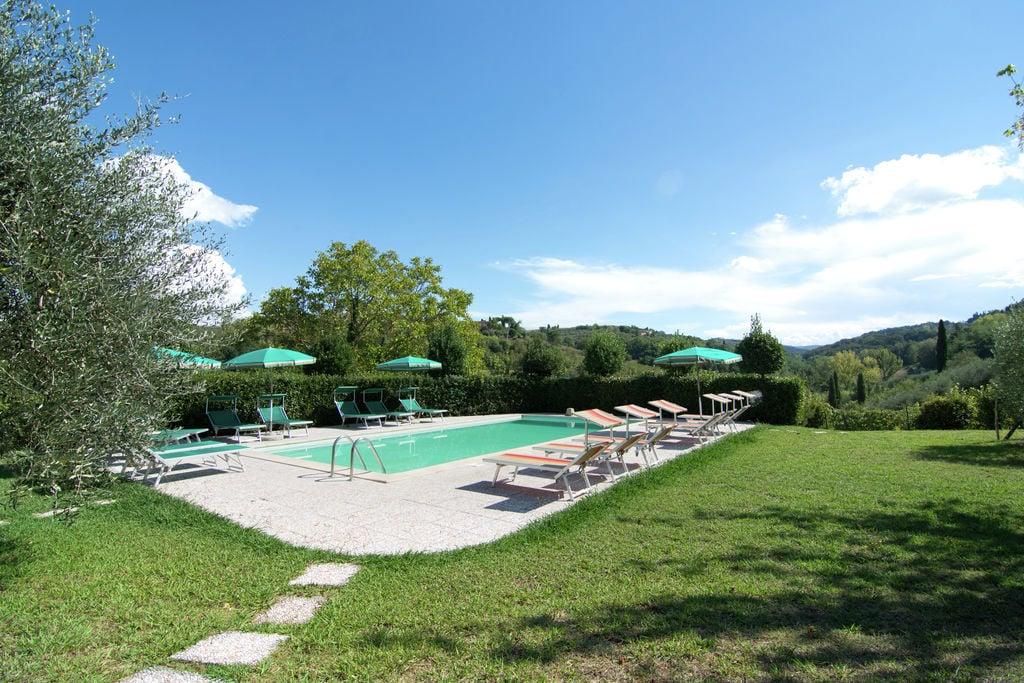 Authentiek appartement in Montaione, Toscane met zwembad - Boerderijvakanties.nl