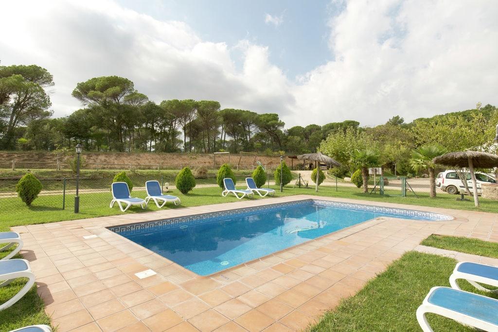 Vrijstaand vakantiehuis met privézwembad ligt landelijk gelegen in Riudarenes. - Boerderijvakanties.nl