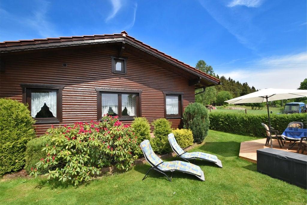Vredig vakantiehuis in Thuringen in een bosrijke omgeving - Boerderijvakanties.nl
