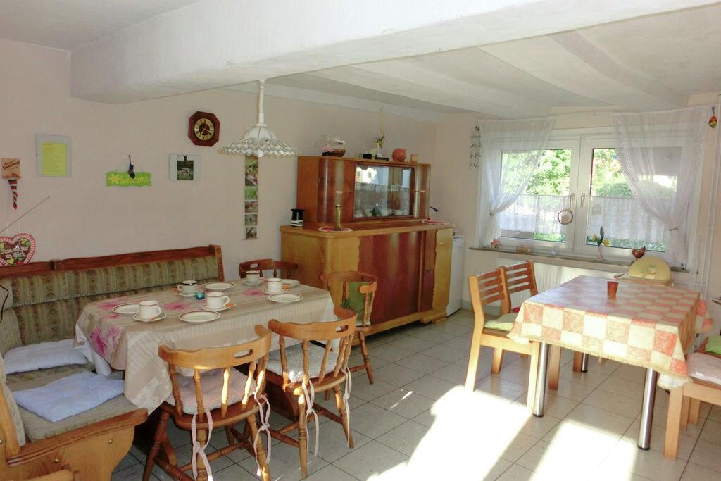 Aantrekkelijk appartement in Hesse dicht bij de bossen - Boerderijvakanties.nl