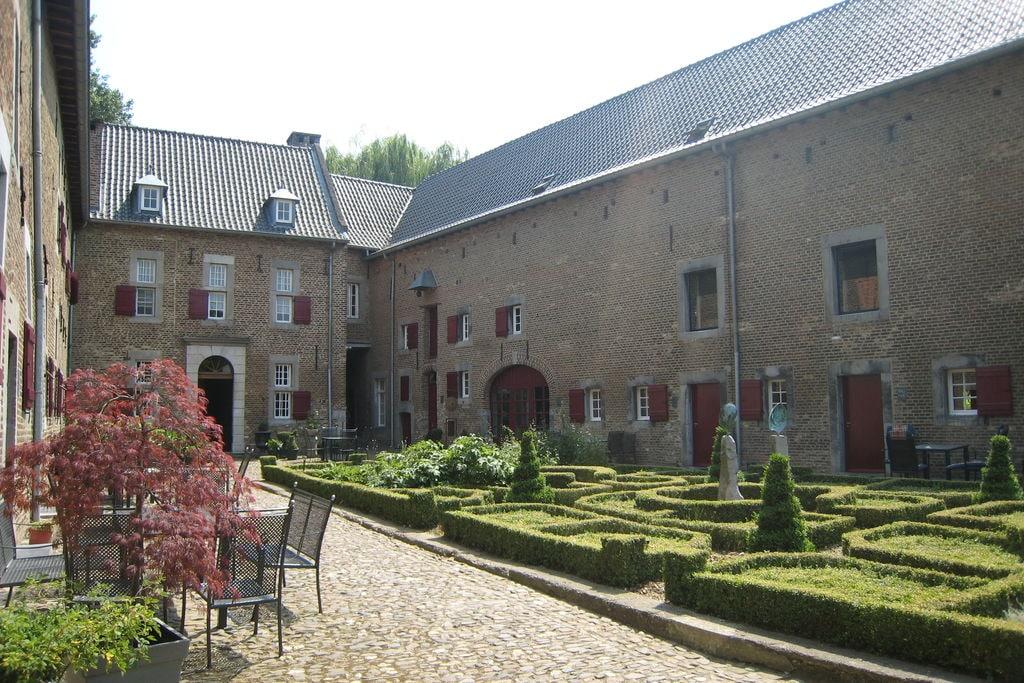Ruim appartement in Mesch nabij het stadscentrum - Boerderijvakanties.nl