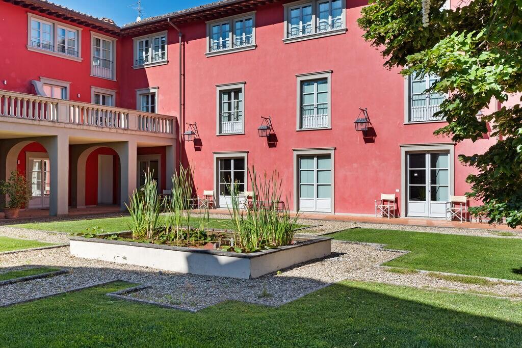 Modern huis in Rignano sull'Arno met zwembad - Boerderijvakanties.nl