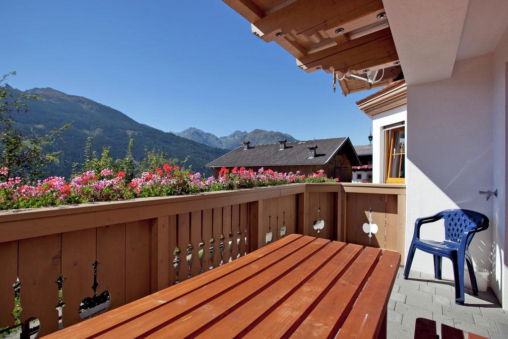 Ruim appartement in Salzburgerland met zonnig balkon - Boerderijvakanties.nl