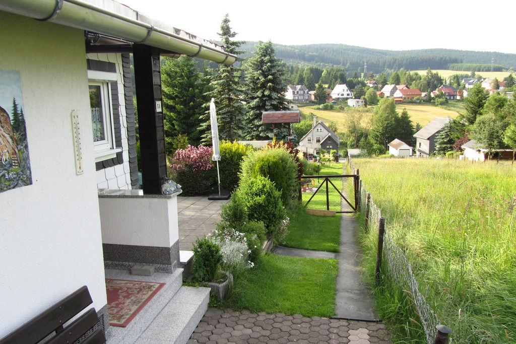 Vrijstaande vakantiewoning met gezellige haard midden in het Thüringer Woud - Boerderijvakanties.nl