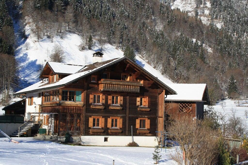 Comfortabel appartement in Vorarlberg met een balkon en tuin - Boerderijvakanties.nl