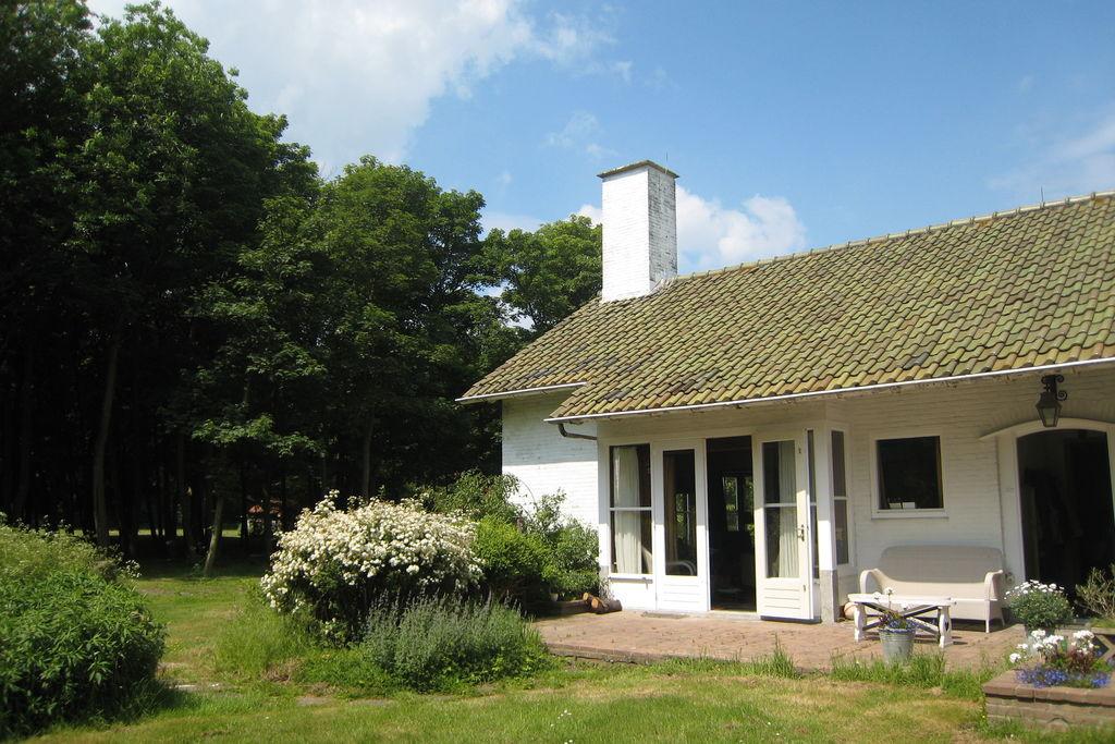 Kindvriendelijk herenhuis in Biggekerke met een tennisbaan - Boerderijvakanties.nl
