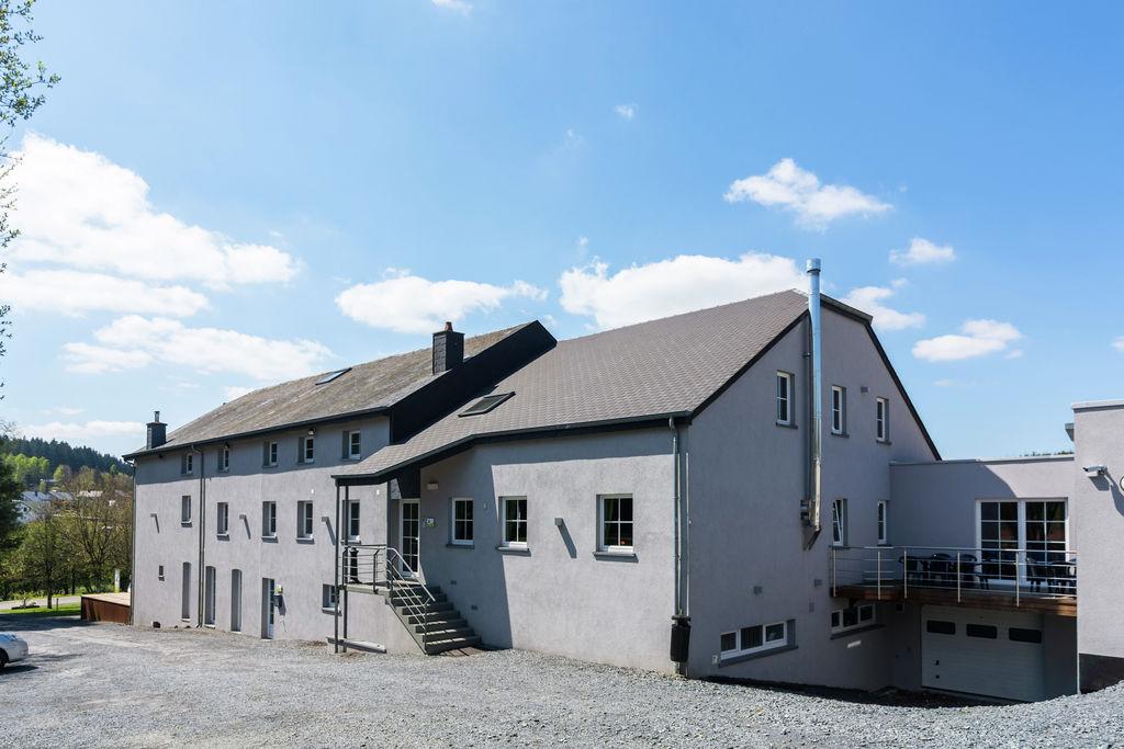 Huis met een groot wellness-centrum (sauna, jacuzzi, stoombad) en sportvelden - Boerderijvakanties.nl