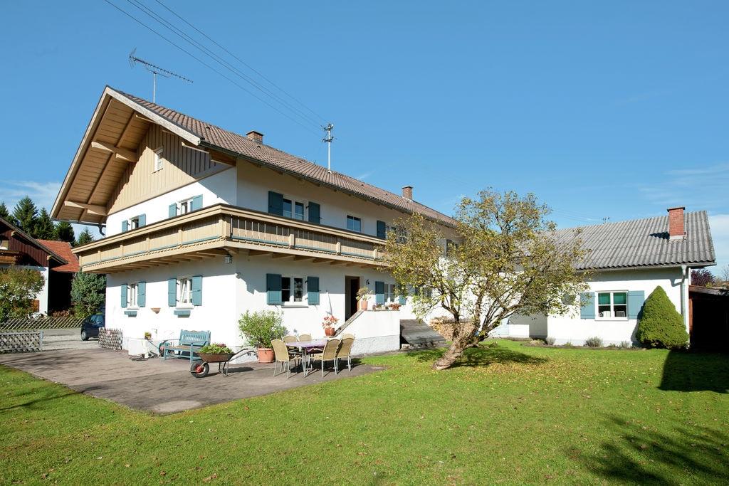 Mooi kind- en gezinsvriendelijk appartement met balkon in de Pfaffenwinkel - Boerderijvakanties.nl
